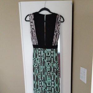 Etta V-Neck Print-Blocked Dress